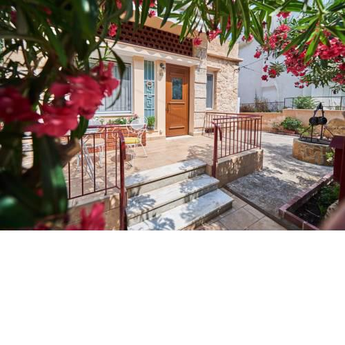 160m2 private house, near Edem beach,Alimos,private parking,wifi