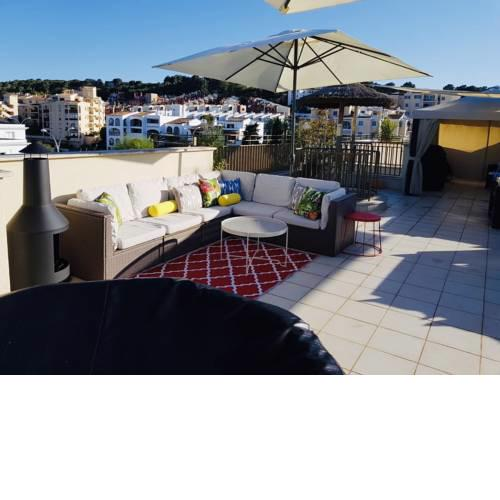 3 Bedroom with Rooftop Terrace & Jacuzzi