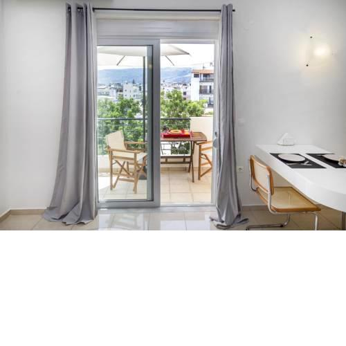 5th floor Maisonette with Mountain View