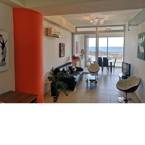All Seasons Sea View Apartment