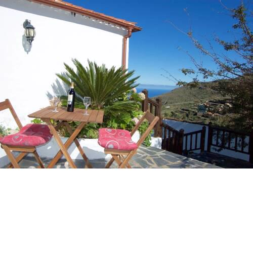 Apartment with 2 bedrooms in Los Silos with furnished terrace and WiFi 5 km from the beach
