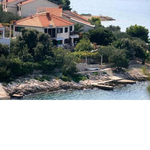 Apartments by the sea Maslinica (Solta) - 774