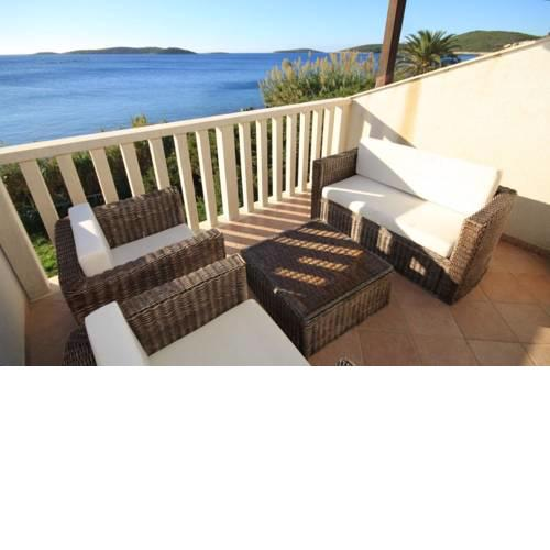 Apartments by the sea Milna (Vis) - 8946