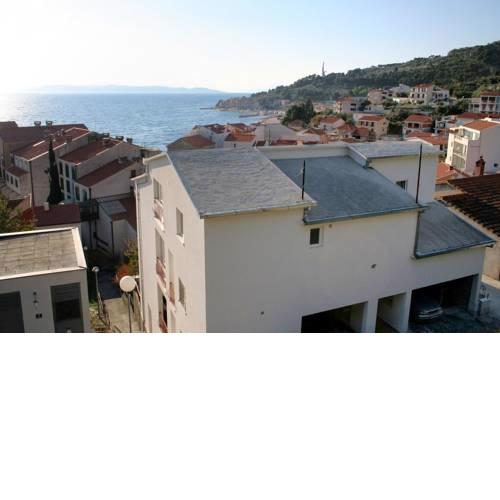 Apartments by the sea Podgora (Makarska) - 12326