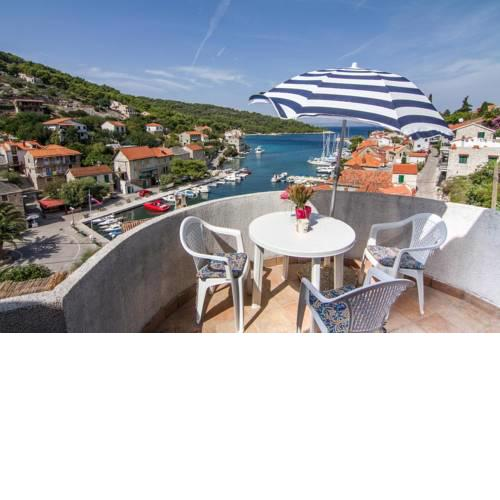Apartments by the sea Stomorska (Solta) - 8650