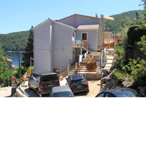 Apartments by the sea Valun (Cres) - 8081