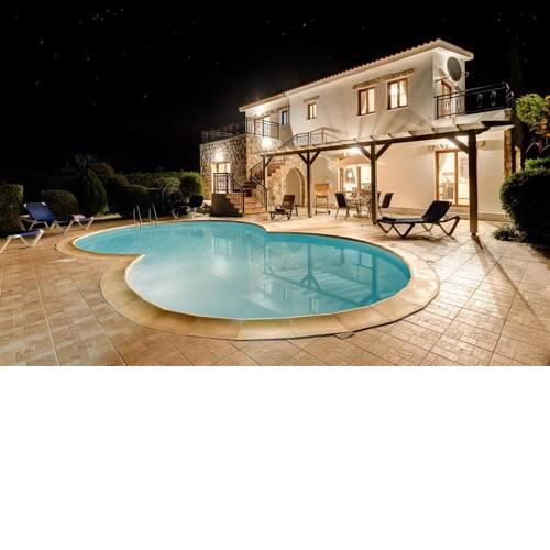 Argaka Villa Sleeps 6 with Pool Air Con and WiFi