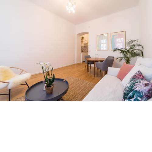 Beautiful & Cozy Apartment near Wiener Stadthalle