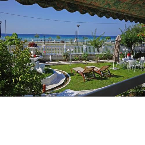 Beautiful Sea Front Villa with 650m2 garden
