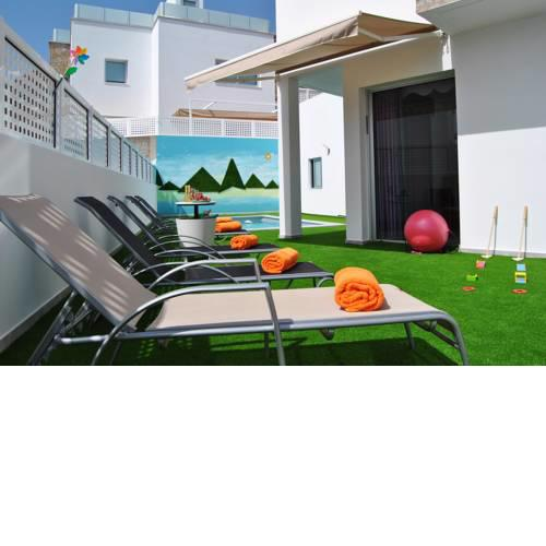 BIG VILLA IN TAURO WITH PRIVATE HEATED POOL & BBQ & GAME ROOM