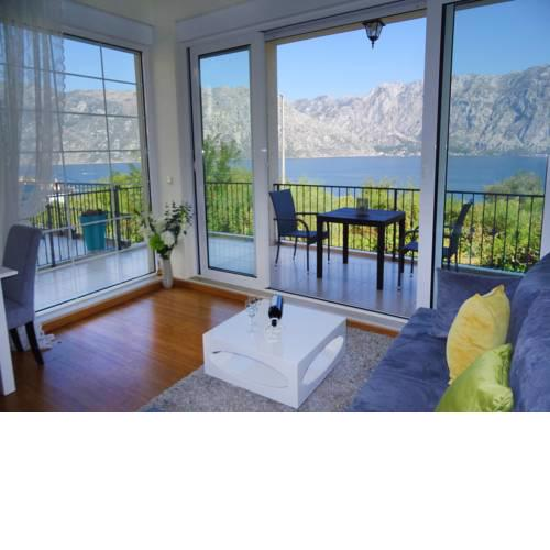 Boka Bay beautiful view apartment for 2-3 guests