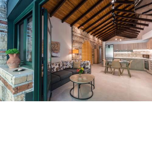 Casa Leone, cosy apartment overlooking the square