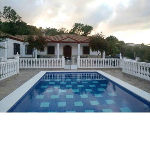 Chalet with 4 bedrooms in Prado del Rey with private pool furnished terrace and WiFi