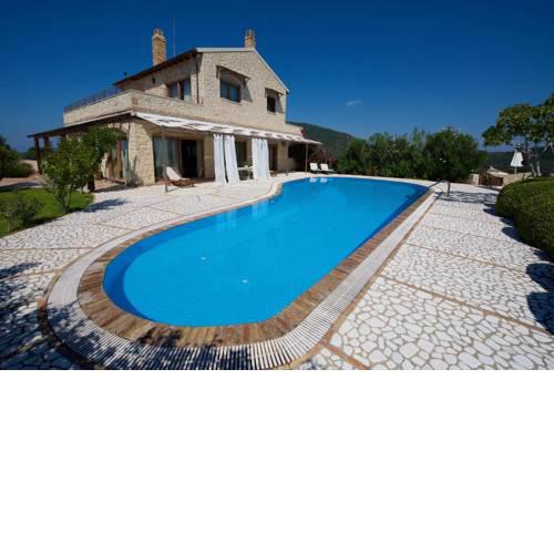 Chalikounas Villa Sleeps 8 with Pool and Air Con