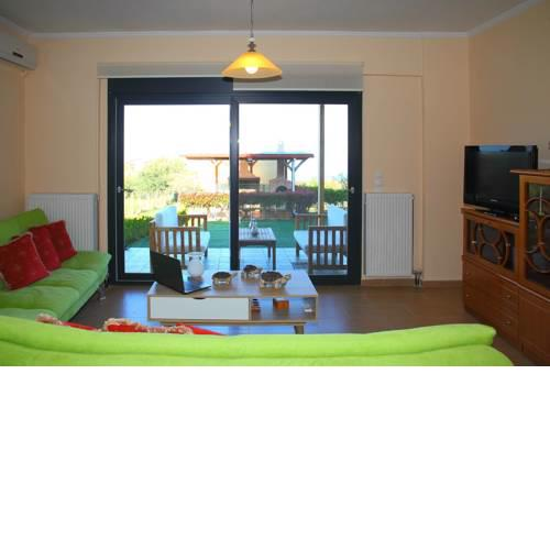 Comfy flat with Garden near the Beach
