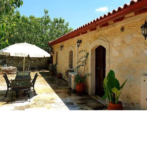 Cozy Cottage in Pasalites Crete Countryside