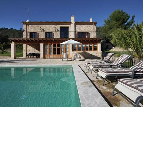 Cozy Holiday Home in Petra Majorca with Private Pool