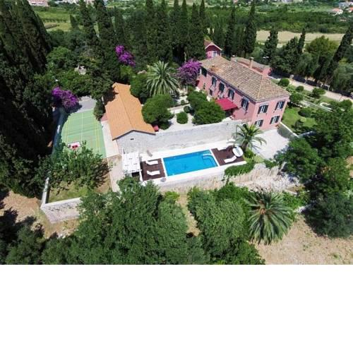 ctdk309- Breathtaking baroque-style countryside villa with a private pool in the outskirts of Dubrovnik