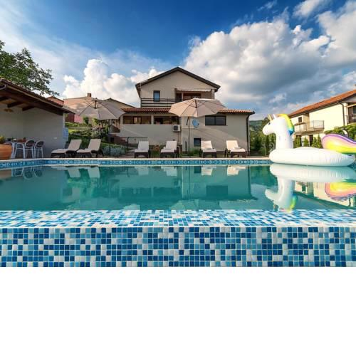 Family friendly apartments with a swimming pool Roc (Central Istria - Sredisnja Istra) - 17942