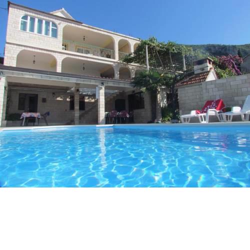 Family friendly apartments with a swimming pool Trpanj (Peljesac) - 15603