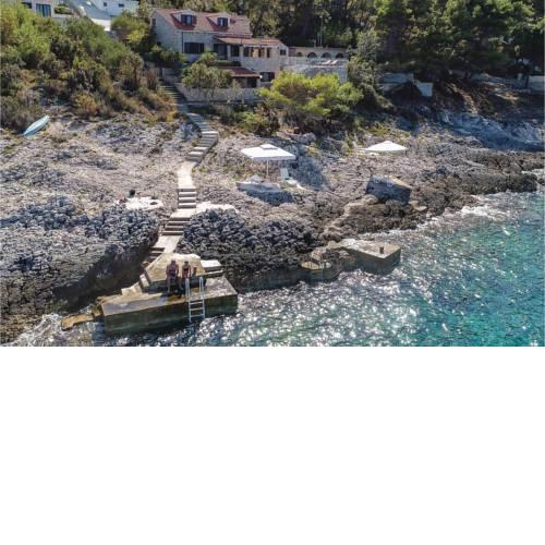 Five-Bedroom Holiday Home in Prigradica