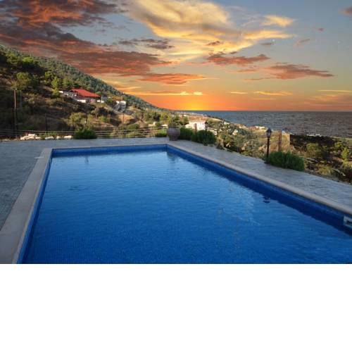 Happy Trails Pomos Panoramic Villa