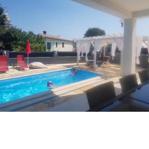 Haus Milly Krnica With Pool