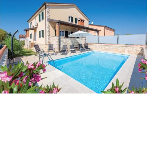 Holiday home Lovrecica 22 with Outdoor Swimmingpool