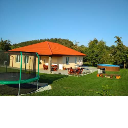 Holiday House Adrelot
