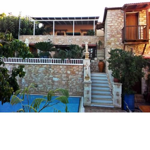 House and studio annexed - Ideal large families- Small village,close beaches