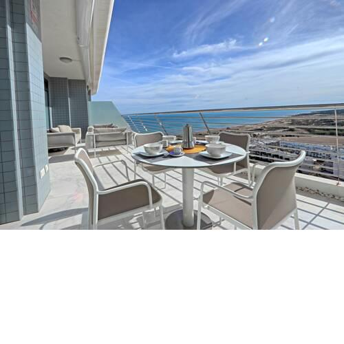Infinity View Penthouse with private Jacuzzi