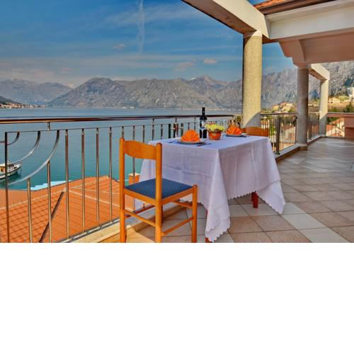 Kotor Bay Beautiful Sea View Apartment
