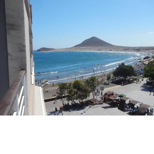 Lovely flat with sea-view, 1 minute walk to beach
