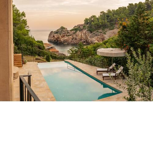 Luxury Villa First Line direct access to the beach Cala Deia