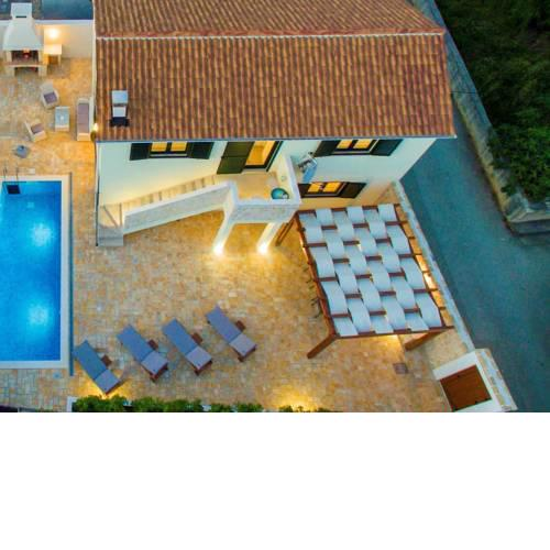 Luxury Villa with Private Pool near Sea in Vinjerac