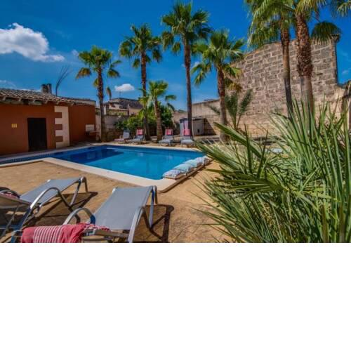 Maria de la Salut Holiday Home Sleeps 10 with Pool Air Con and WiFi
