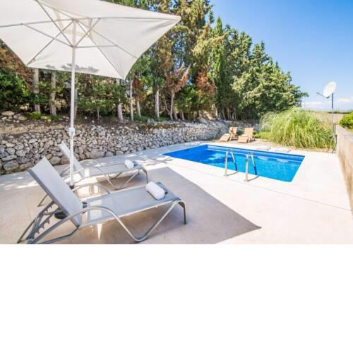 Maria de la Salut Holiday Home Sleeps 6 with Pool Air Con and WiFi