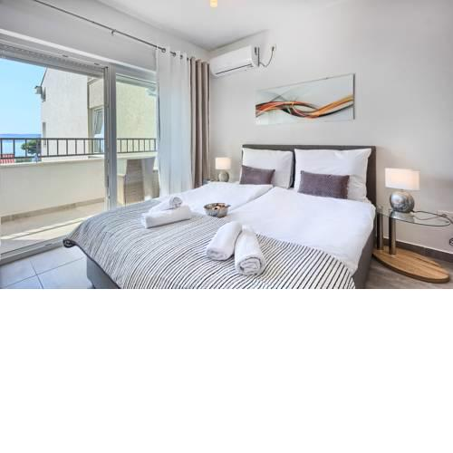 Modern apartments with sea view 150 meters to beach