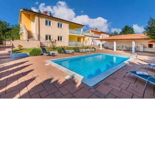 Nice home in Pazin with Outdoor swimming pool and 6 Bedrooms