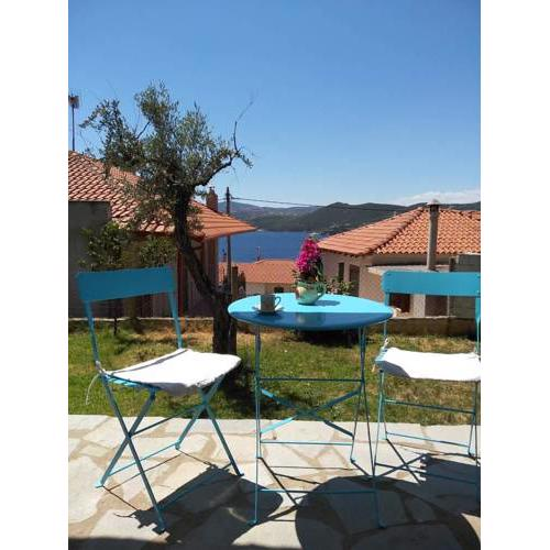 Pyrgadikia Chalkidiki comfortable apartment with a yard and view