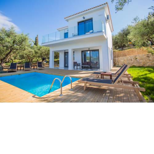 Queen of zakynthos luxury villa