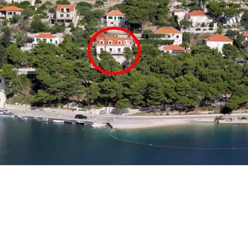 Seaside apartments with a swimming pool Pucisca (Brac) - 9697
