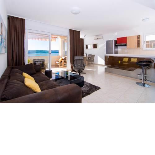 Seaview Luxury Apartment Felicita