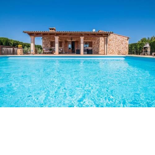 Sencelles Holiday Home Sleeps 4 with Pool Air Con and WiFi
