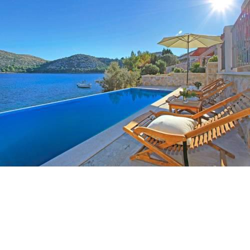 Skrivena Luka Villa Sleeps 8 Pool Air Con WiFi