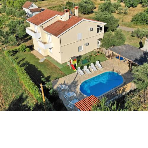 Spacious Villa in Mrljane with Pool