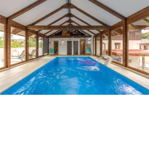 Stunning home in Gospic w/ Sauna, WiFi and 6 Bedrooms