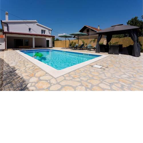 Stunning home in Lovrec w/ Outdoor swimming pool, WiFi and 3 Bedrooms