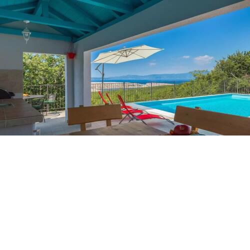 Sunny Holiday home Aqua with private pool
