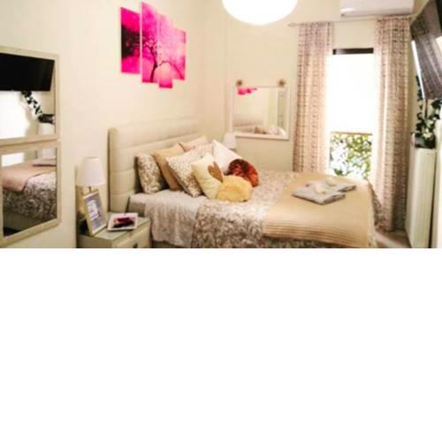Theano's Cozy & Quiet Lux Central Flat - Wifi & full Amenities